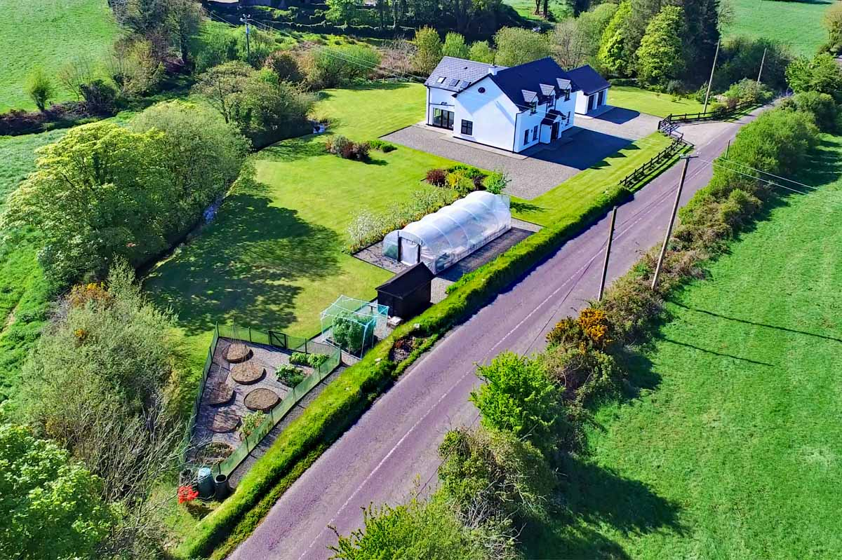 Brook house for sale with Henry O'Leary