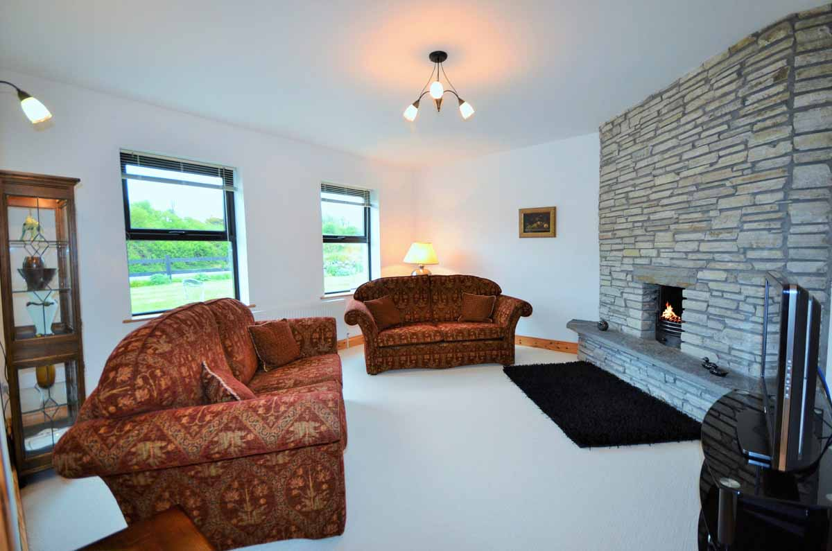 23_Living Room