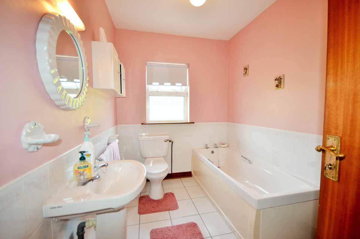 26_Family Bathroom