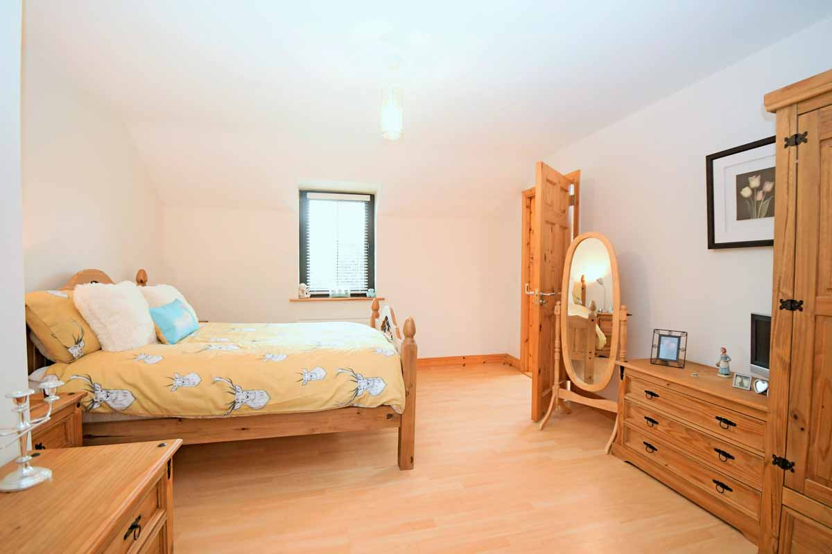 32_Master Bedroom