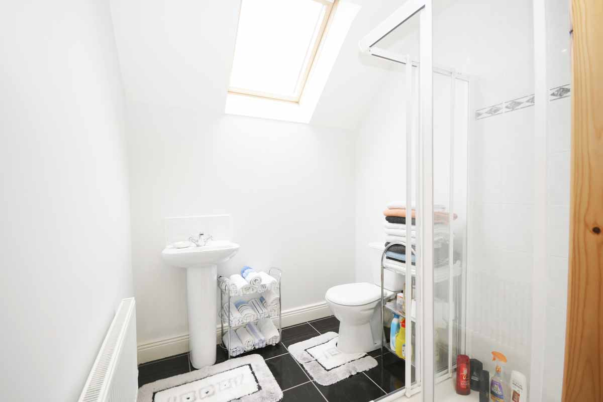 33_Ensuite Bathroom