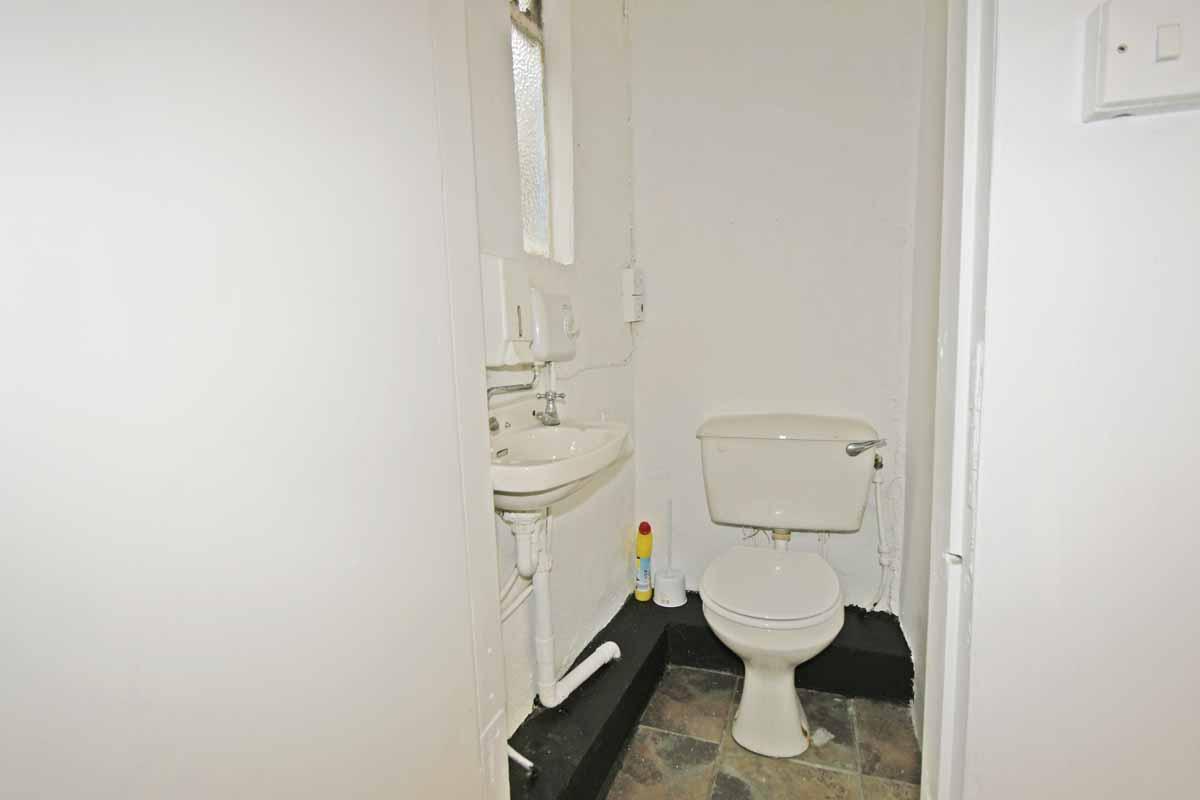 9_Toilet-Main St Innishannon