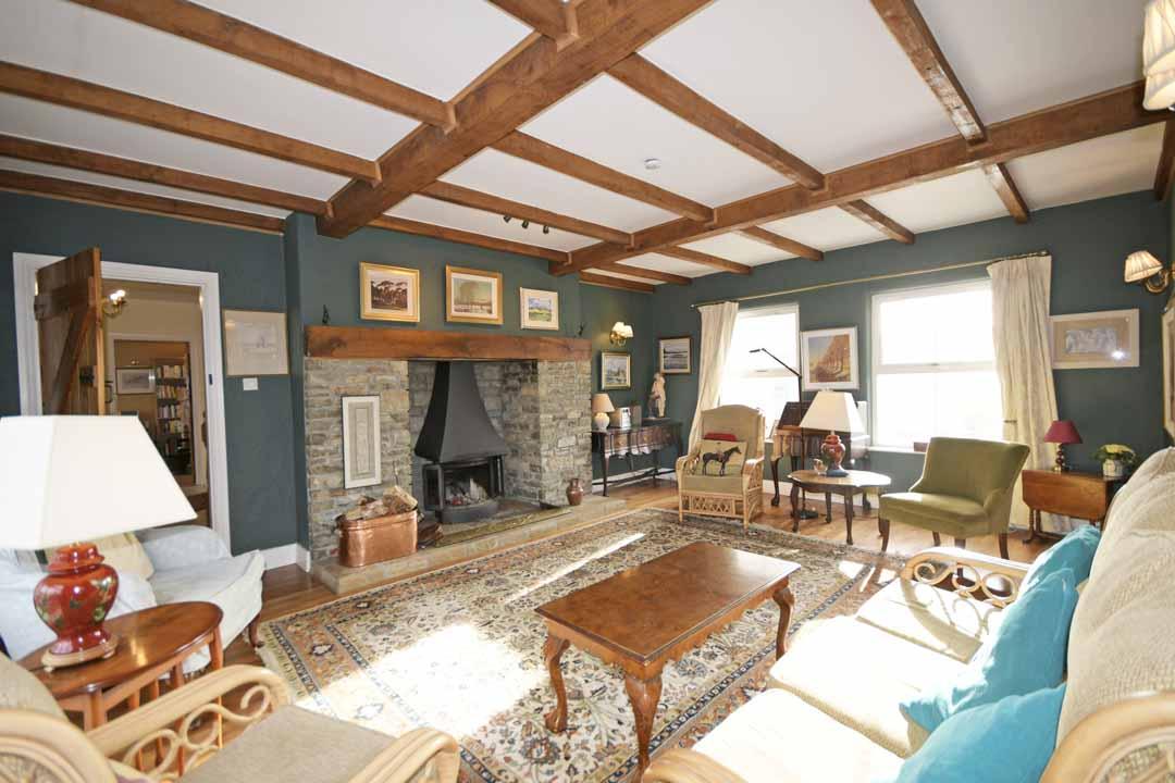13_Living Room