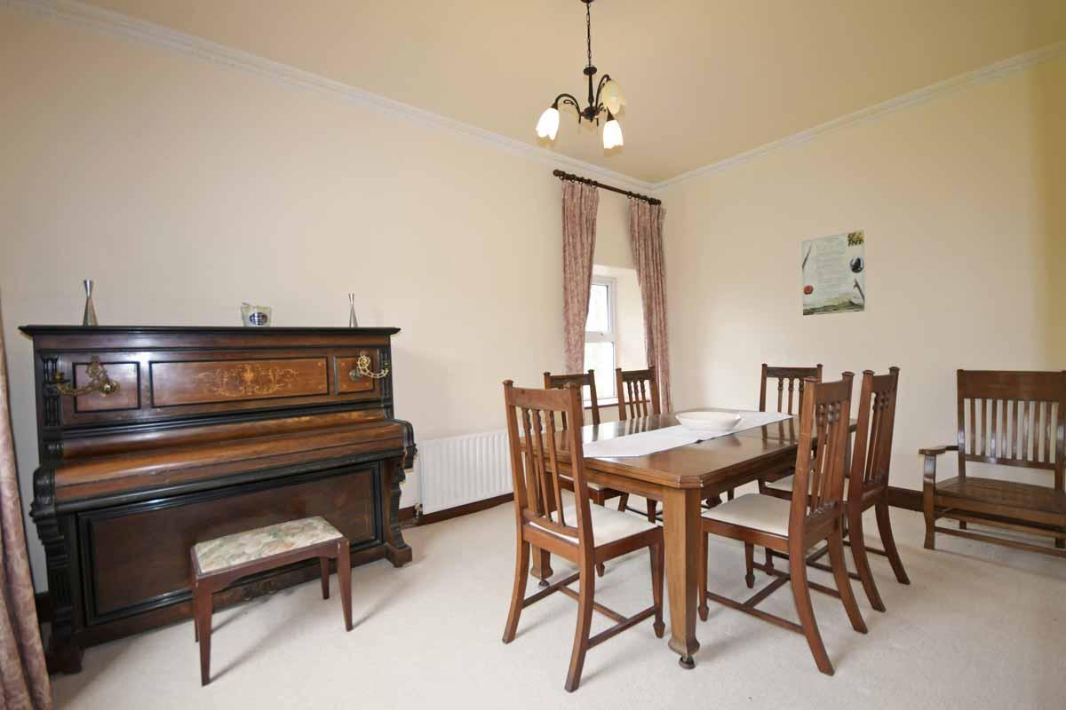 14_Dining Room