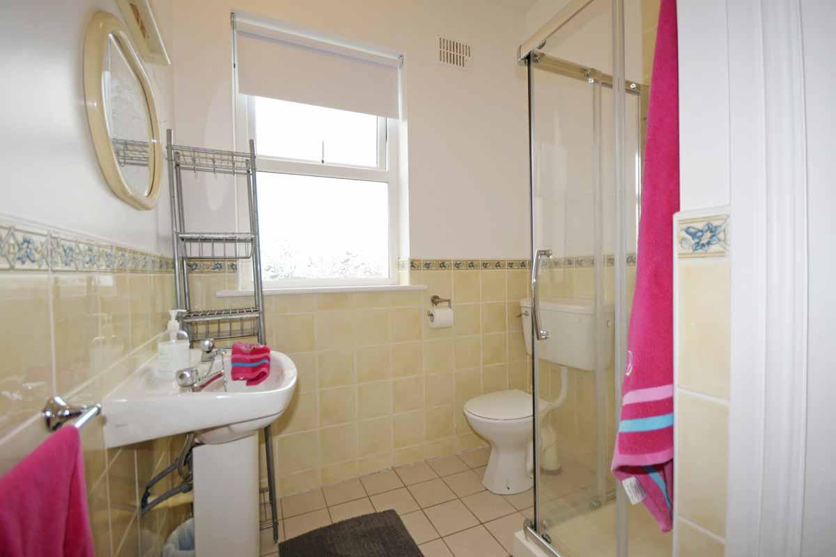 7_First Floor Bathroom