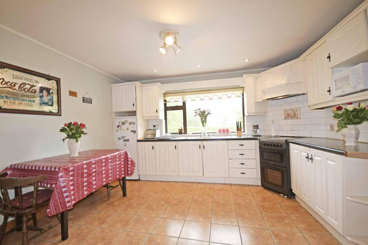 15_Kitchen Dining