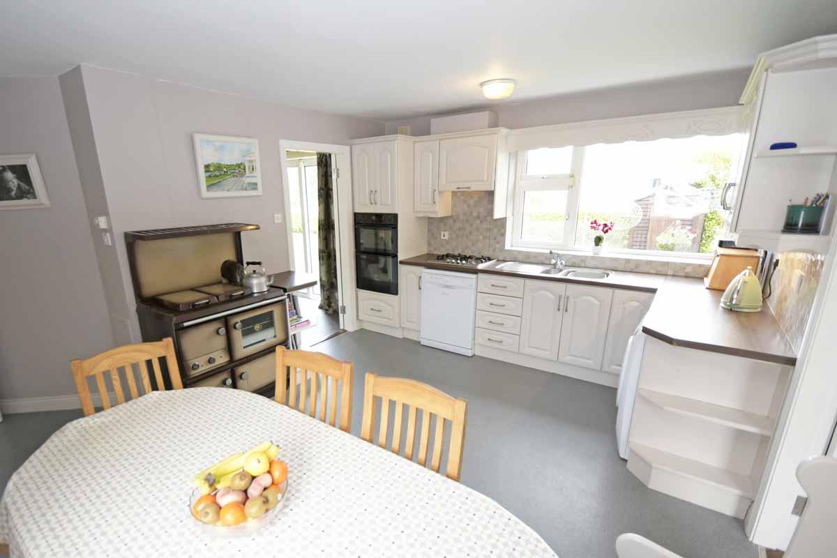 18_Dining Kitchen Area