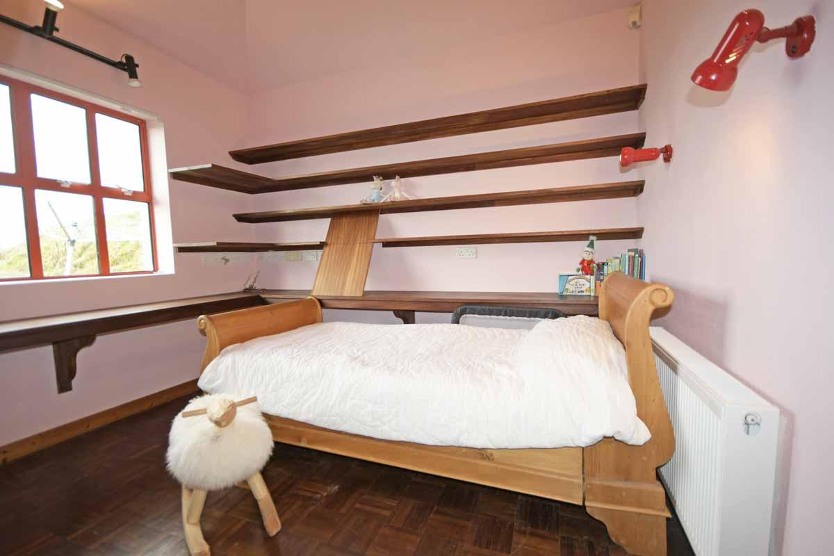 22_Bedroom2