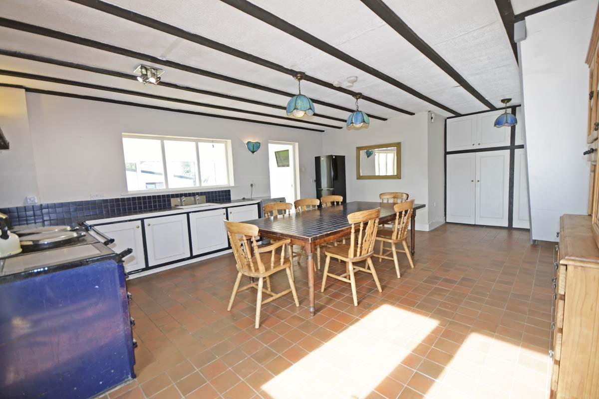 19_Dining Area