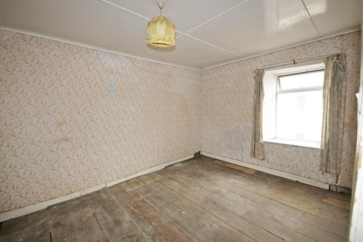 12_Bedroom 1