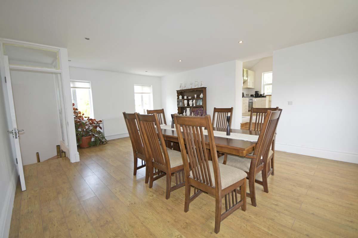 13_Dining Room