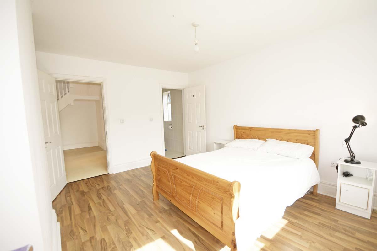 21_Bedroom 5