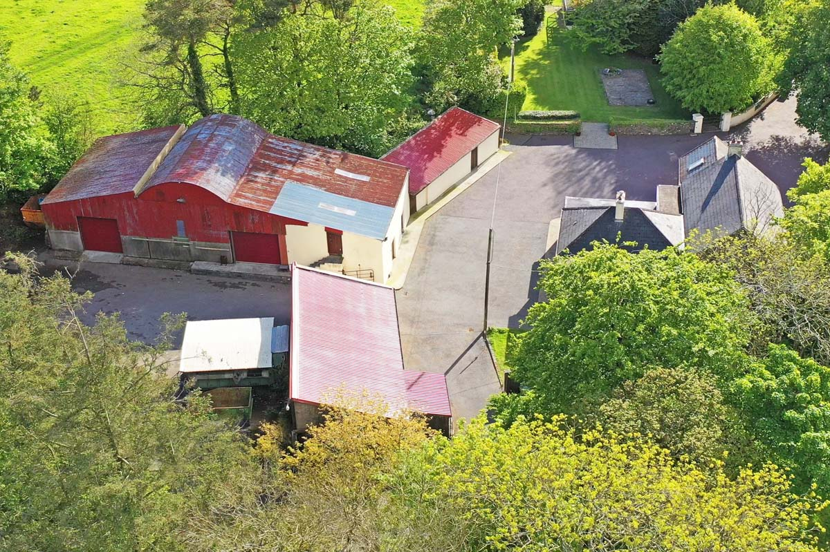 15_Shed and Stables