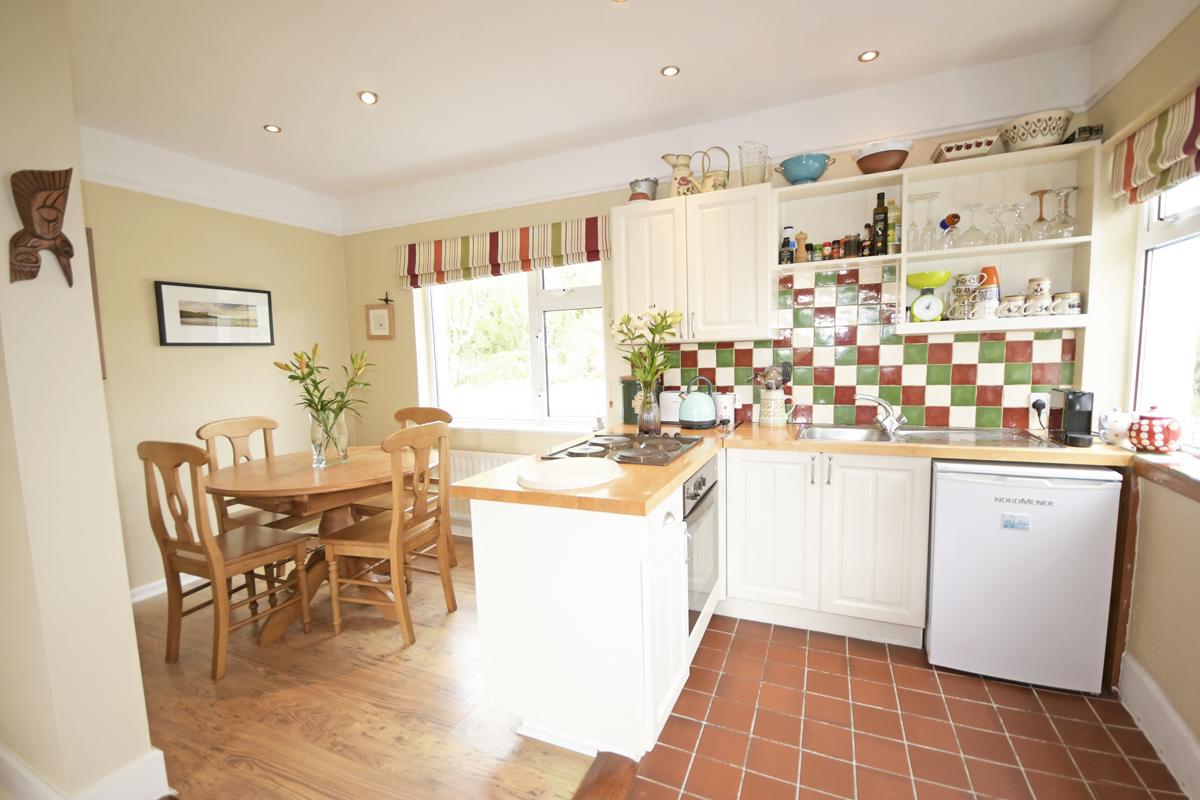 16_Dining Kitchen Area