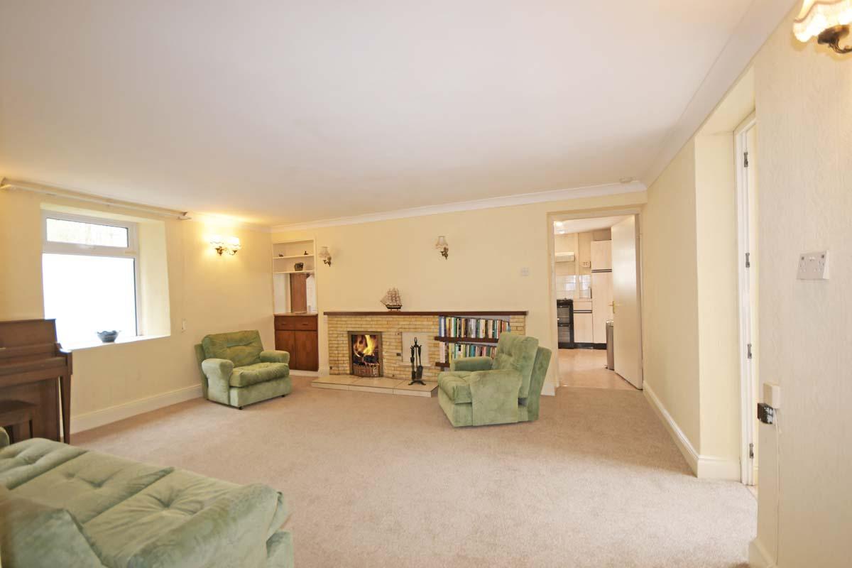20_Living Room