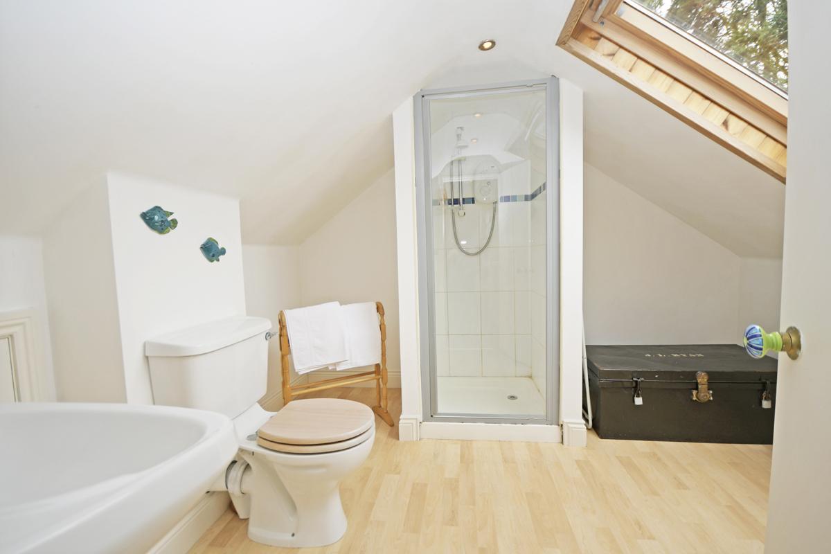 25_First Floor Bathroom
