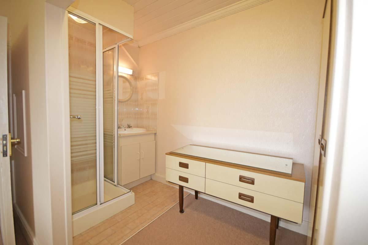 35_Bedroom 3 Ensuite
