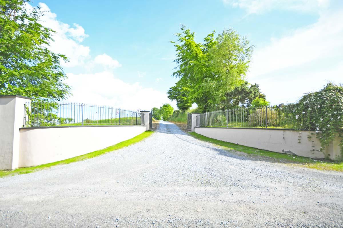 16_Entrance Gates