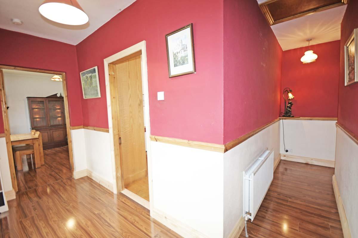 22_Corridor to Bedrooms