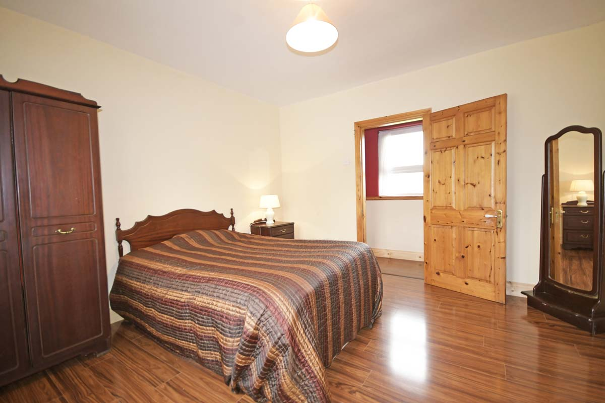 23_Bedroom_1