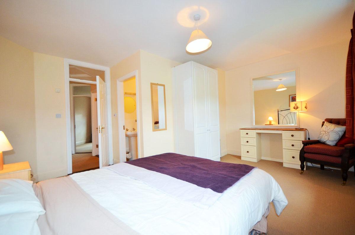 13_Master Bedroom