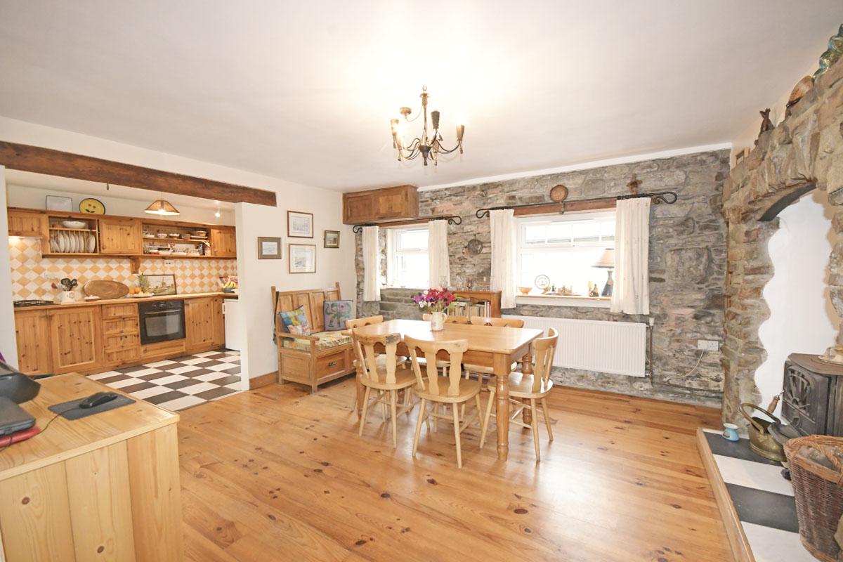 26_Dining Kitchen Area