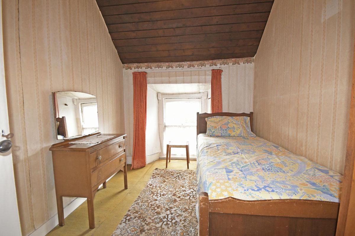 28_Bedroom_9