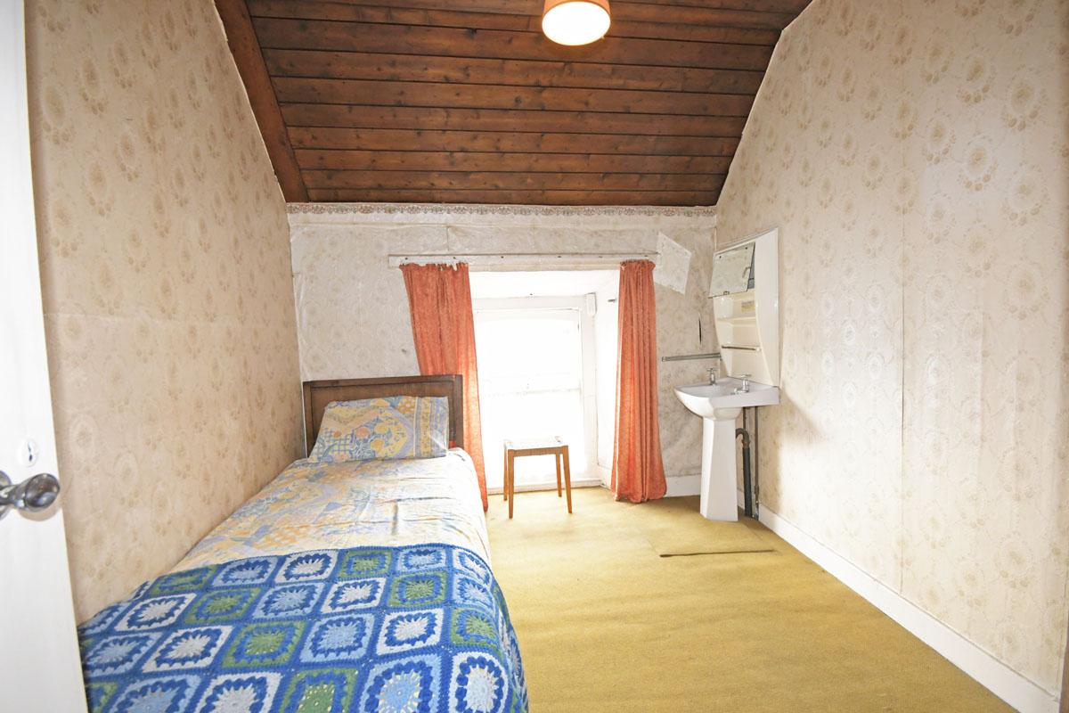 29_Bedroom_10