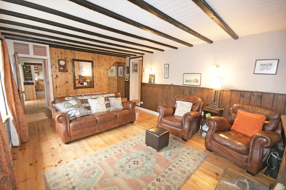 30_Living Room
