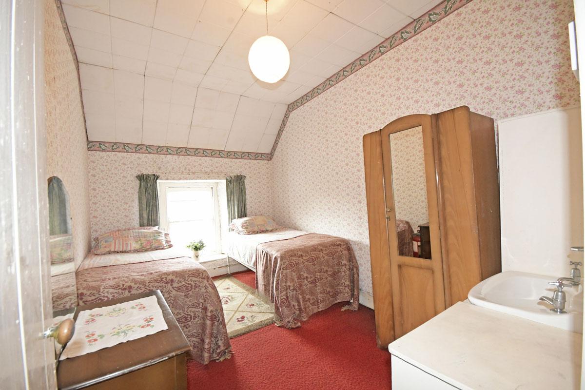 31_Bedroom_12