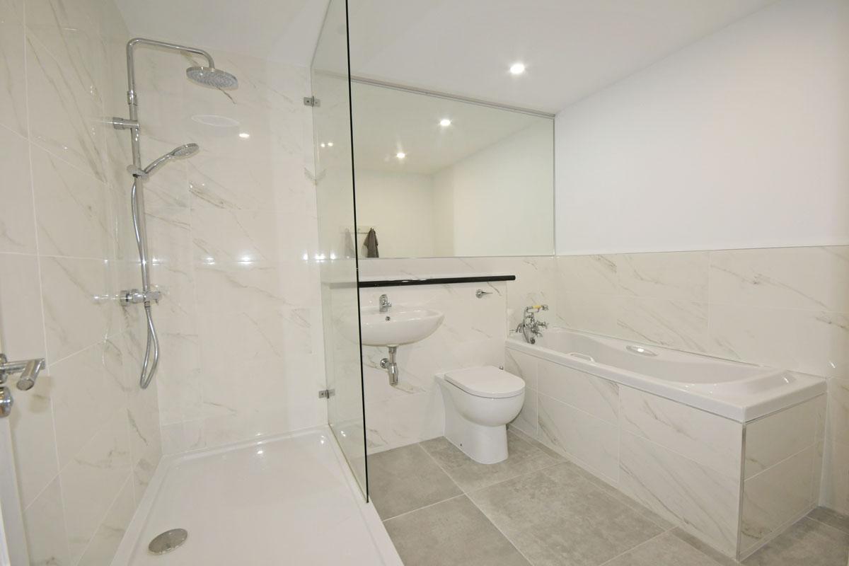 32_Bathroom