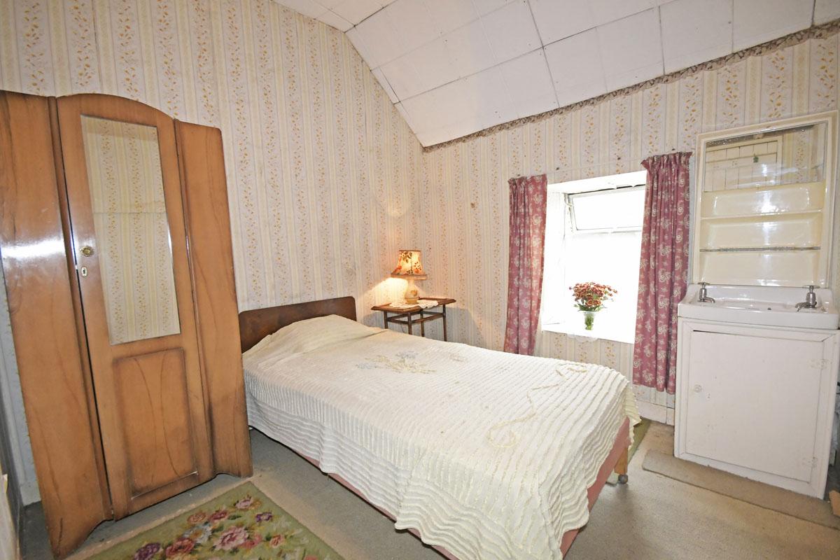 32_Bedroom_13