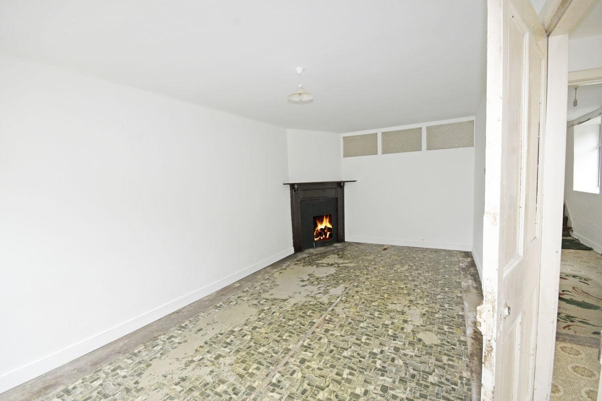 36_Cottage_Living Room