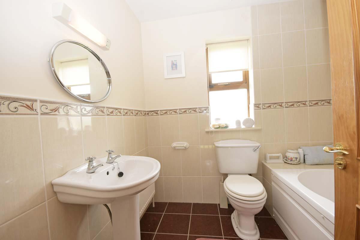 28_Family Bathroom