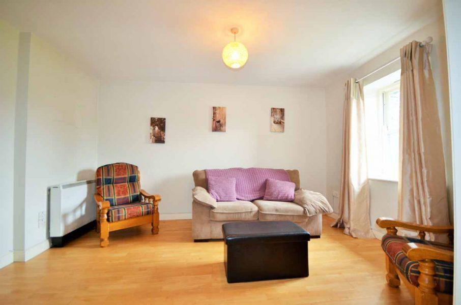 10_Living Area