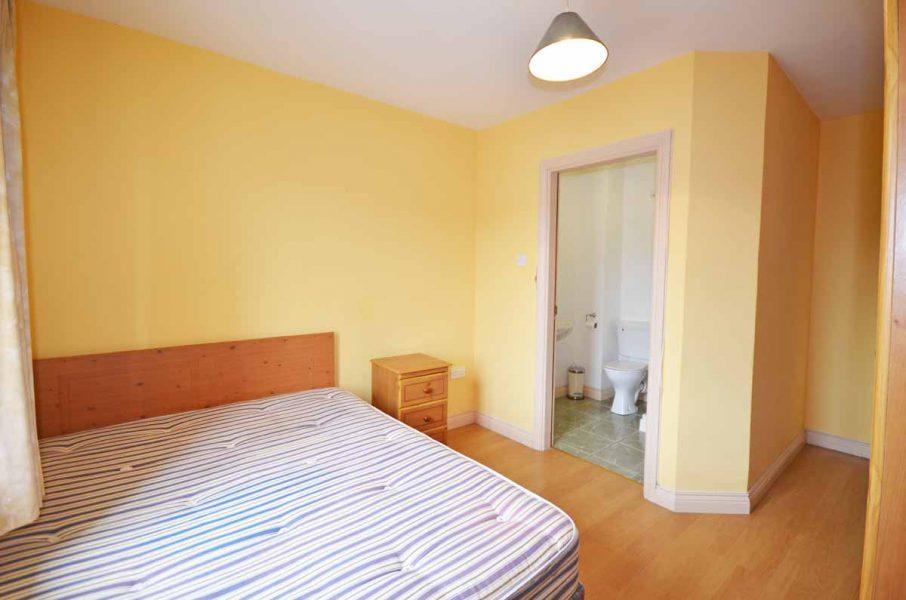 19_Bedroom2