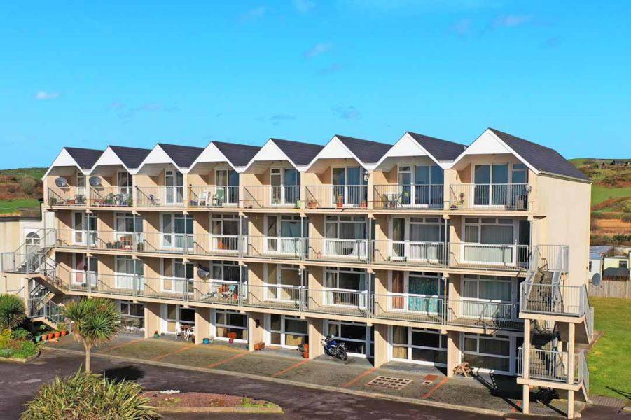 3_Apartment_Complex